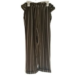 3/$25 OR 5/$35 NO BOUNDRIES-Pinstripe Capri Pants